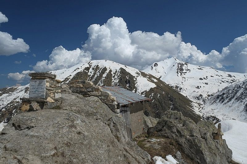 Dal rif. Comino sguardo verso la cima Durand e il Mondolè