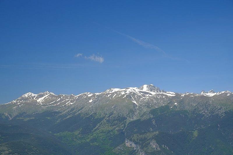 Dalla balconata rocciosa, vista sul Mont Bégo…