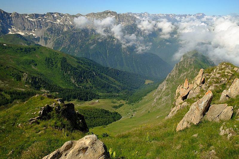 Veduta del vallone di Serpentera; si intravede il Gias della Madonna