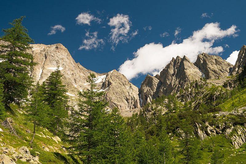 Ancora uno sguardo verso i monti