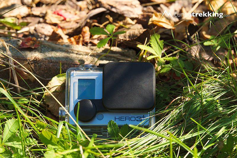 La GoPro con il tappo copriobiettivo compatibile