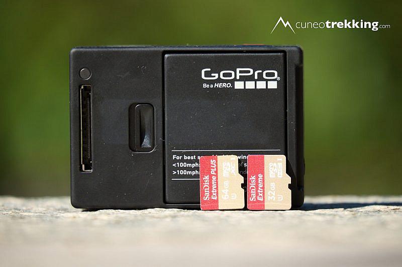 Il retro della GoPro, con la porta HERO a sinistra