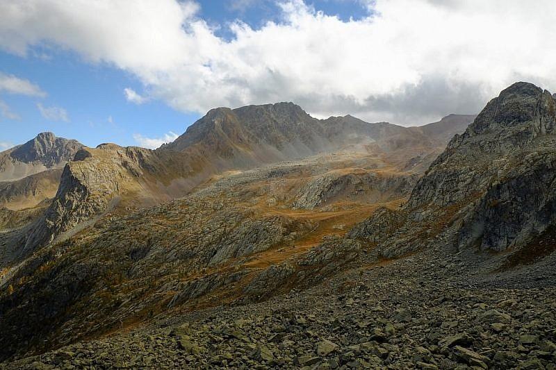 Al centro della fotoè visibile il Monte Peiron