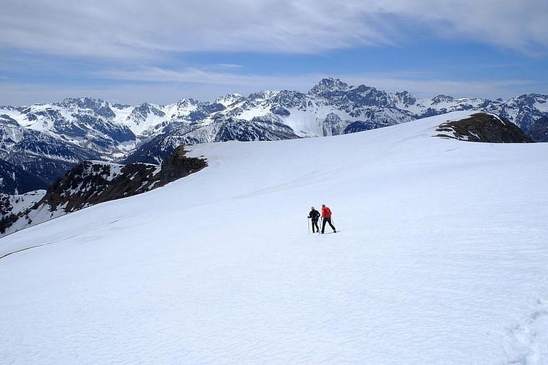 Ritorno verso il Monte Cappel (a destra)