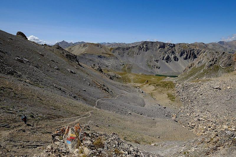 Dal colle Feuillas, discesa verso il vallone dell'Oronaye