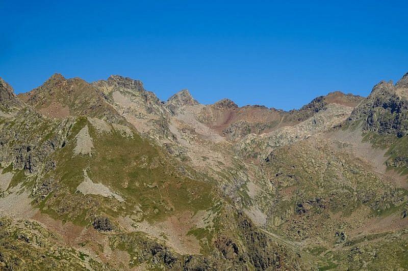 Sguardo verso la Valrossa e la Rocca della Paur