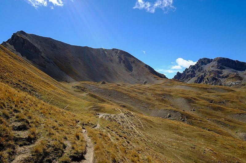 Dal colle delle Munie,la cima delle Manse in ombra, a sinistra