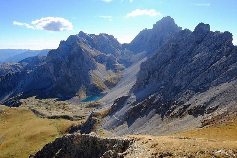 Dalla cima, veduta sul lago d'Apzoi…