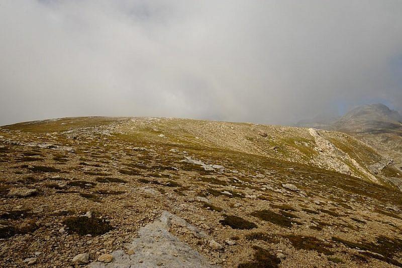 Immagini suilunghi dossi panoramici che scendono verso il Pas de la Nauque