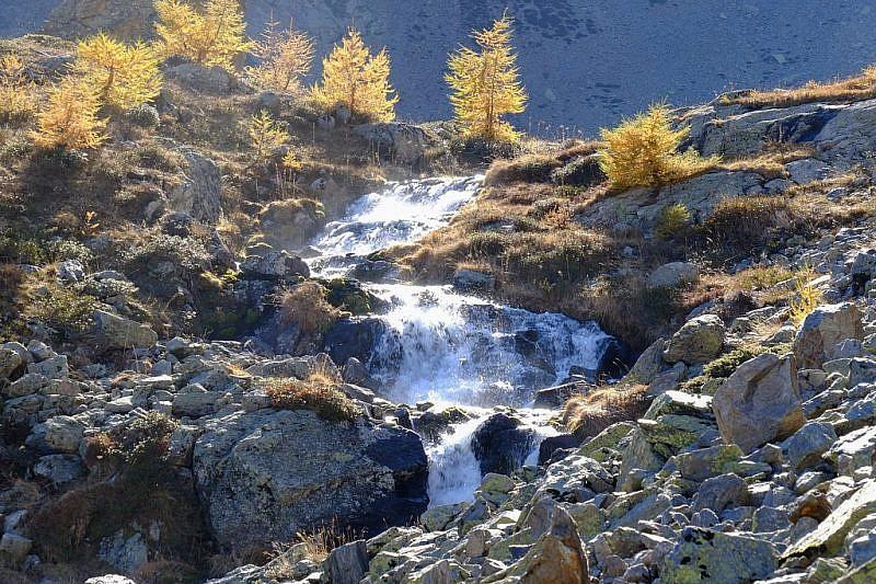 Piccola cascata arrivando al rifugio