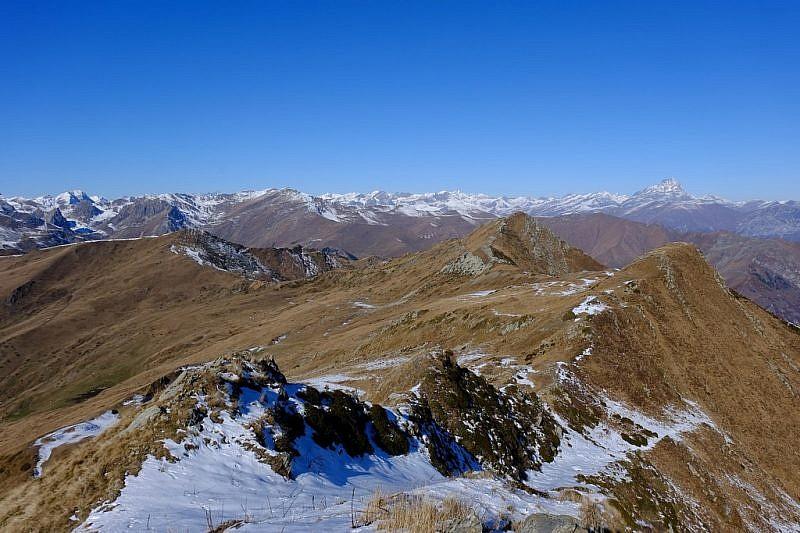 Inizio la discesa su neve nel versante Valgrana
