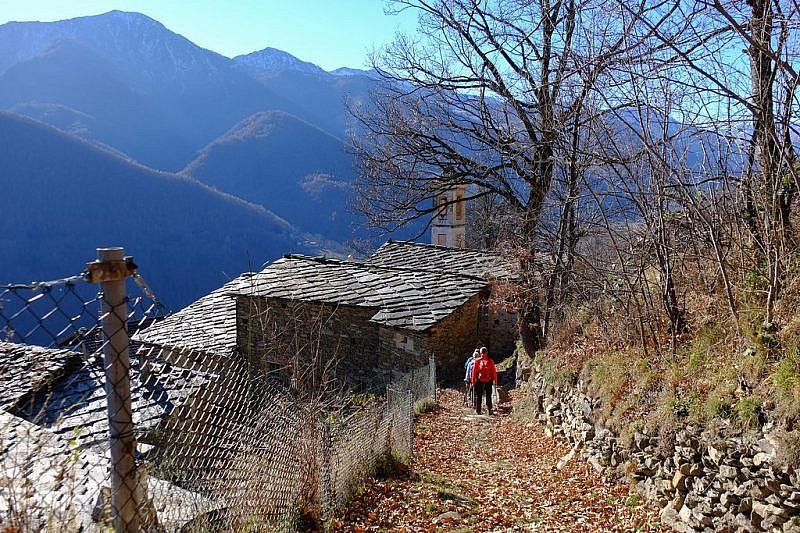 Ritorno tra le case di Puy