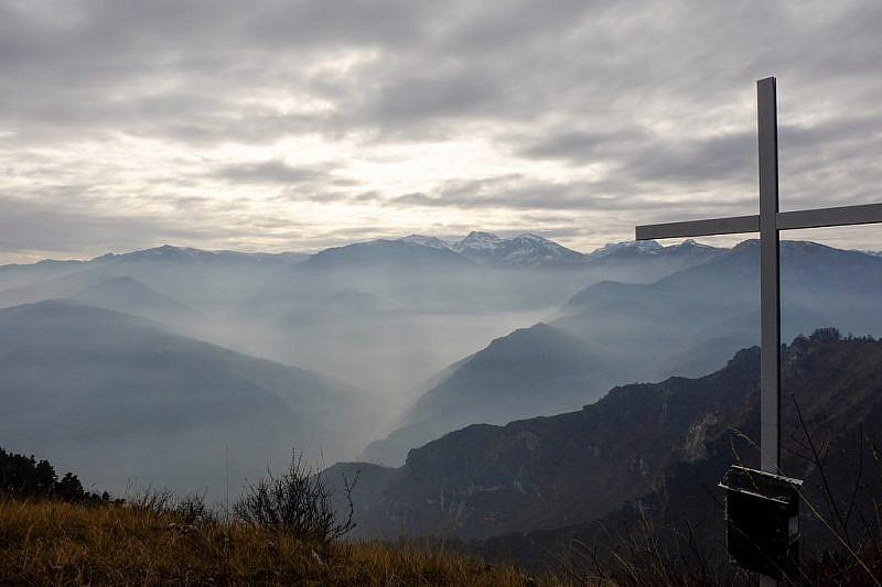 Punta Gardiola con panorama versoTibert e cima Tempesta