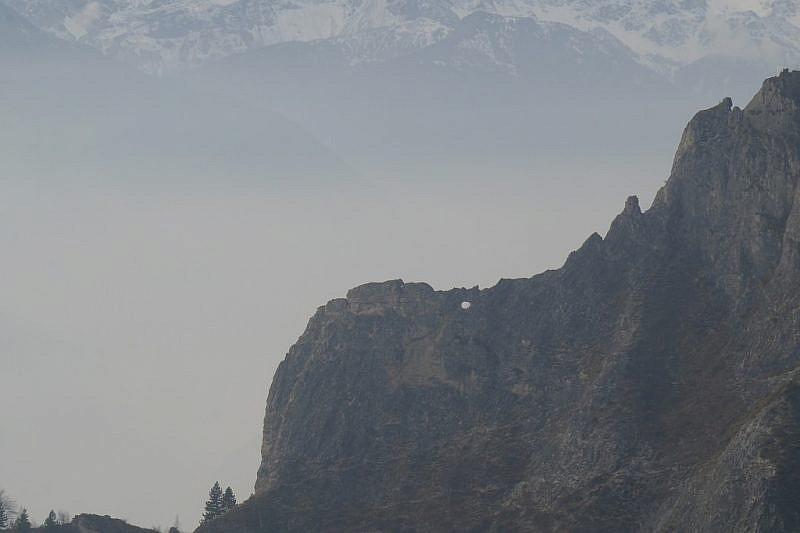 """Immagine della """"finestra"""" a sinistra della cima Pertus"""