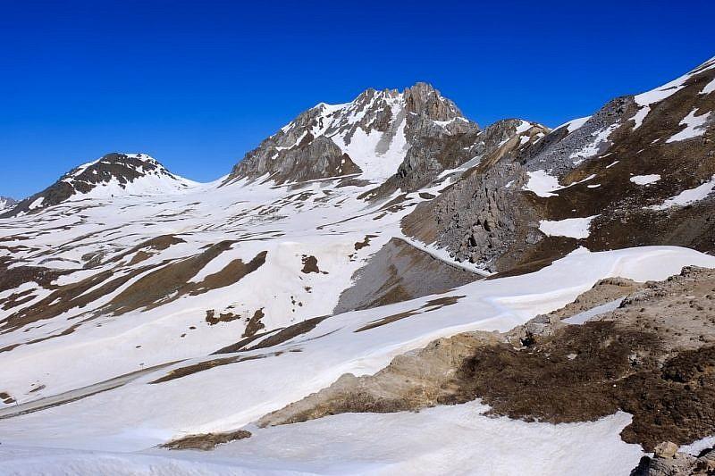 Il Becco Grande (2775 m) dal colle di Valcavera