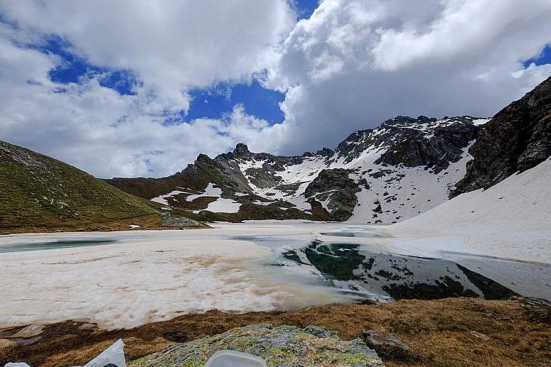 Il lago Nero e la Tour Real
