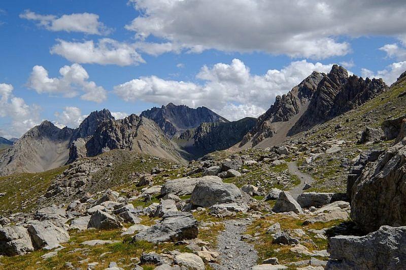 Dal colle di Scaletta discesa verso il passo dell'Escalon (fotoscattata lo scorso anno)