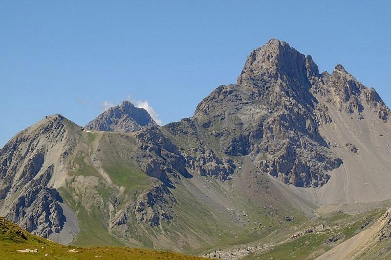 All'estrema sinistra è visibile il forte Viraysse, ai piedi della Meyna