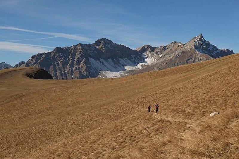 Verso la protuberanza erbosa del monte Cappel