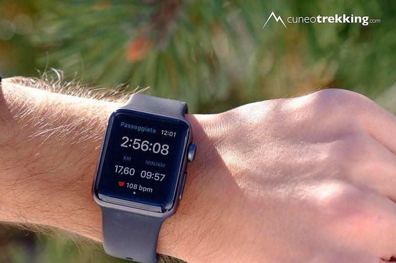L'Apple Watch Series 2 al polso
