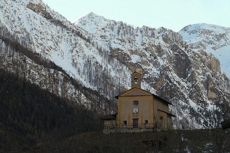 Chiesetta di San Maurizio (presso Lausetto)