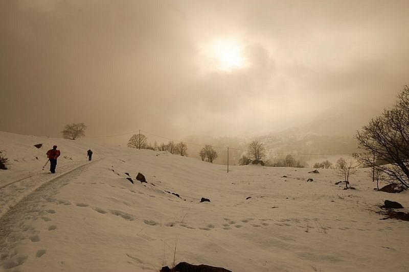 Sulla via del ritorno ritroviamo ancora un po' di nebbia