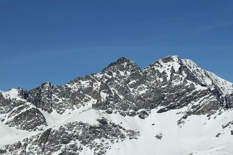 Monte Granero (3171 m), a sinistra, e Meidassa (3105 m)