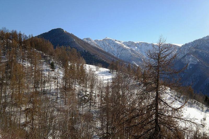Veduta del monte Sociu (a sinistra)
