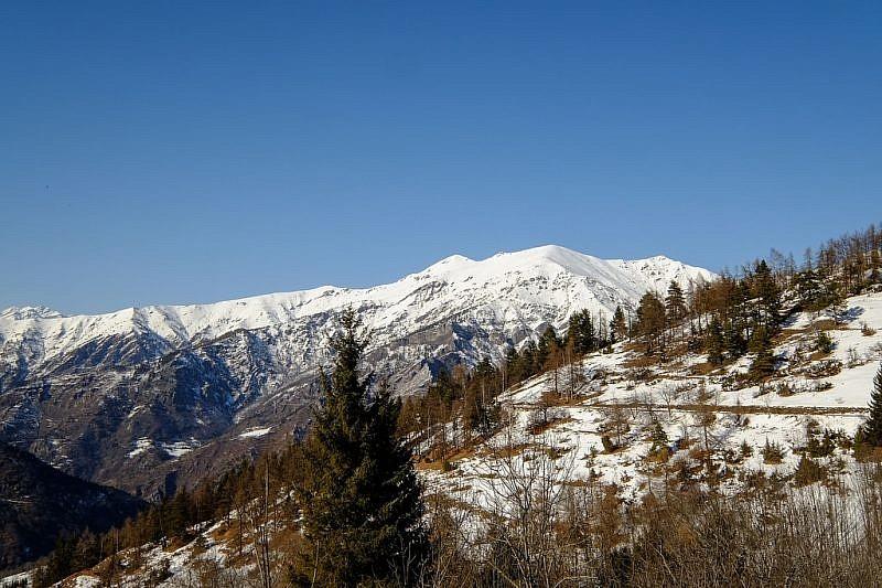 Alle nostre spalle vista sui monti Nebin e Cugulet