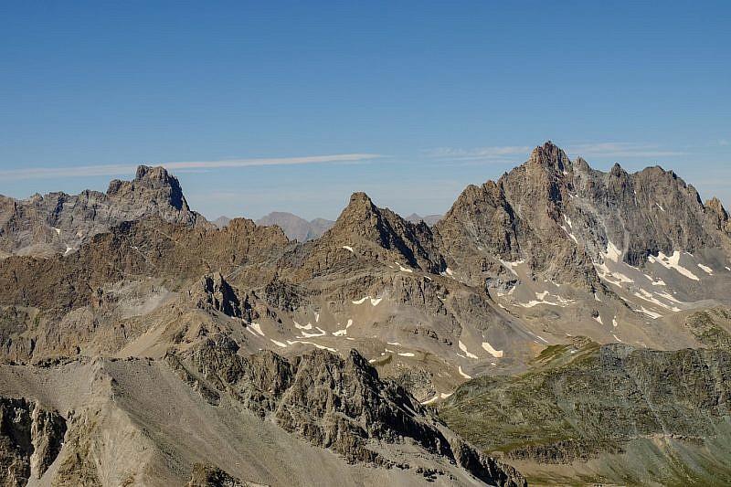 Panorama dal Brec (a sinistra) all'Aiguille (a destra) de Chambeyon