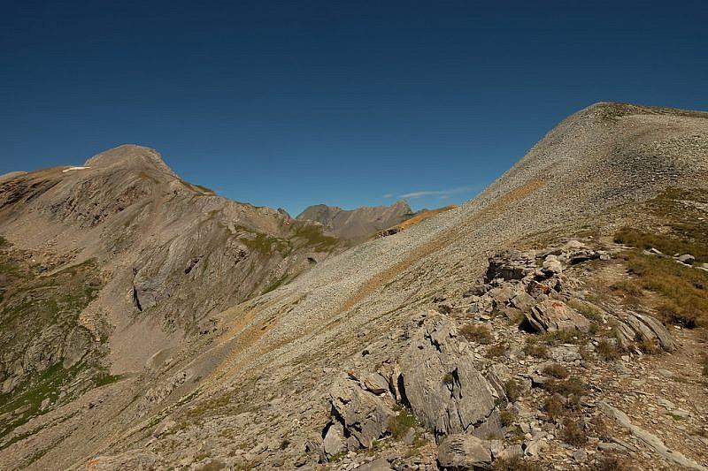 Veduta del monte Maniglia (a sinistra)