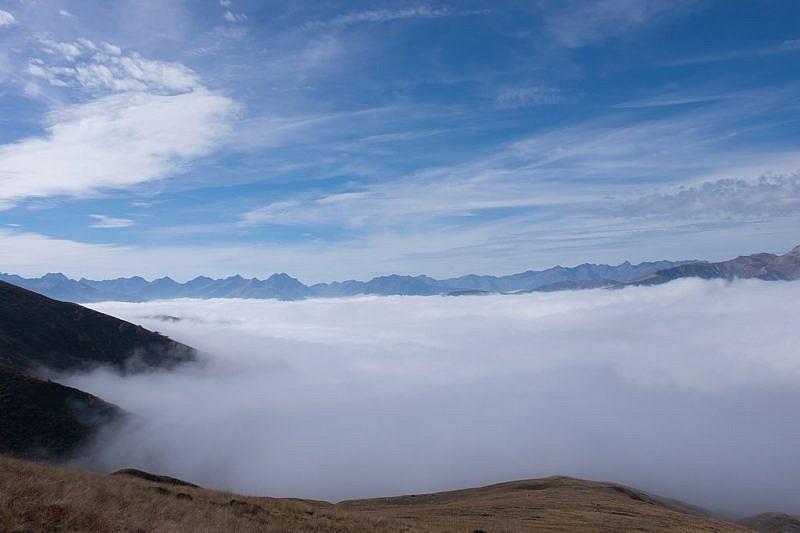 Oltre, un mare di nebbia