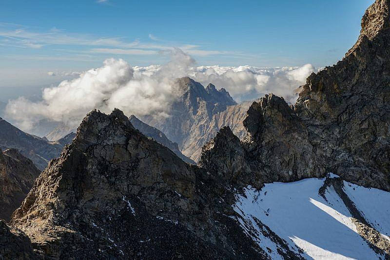 Dalla cima, sguardo in direzione della valle Gordolasque