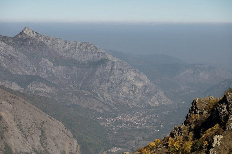 Zoom su Valdieri e la cima Saben (a sinistra)