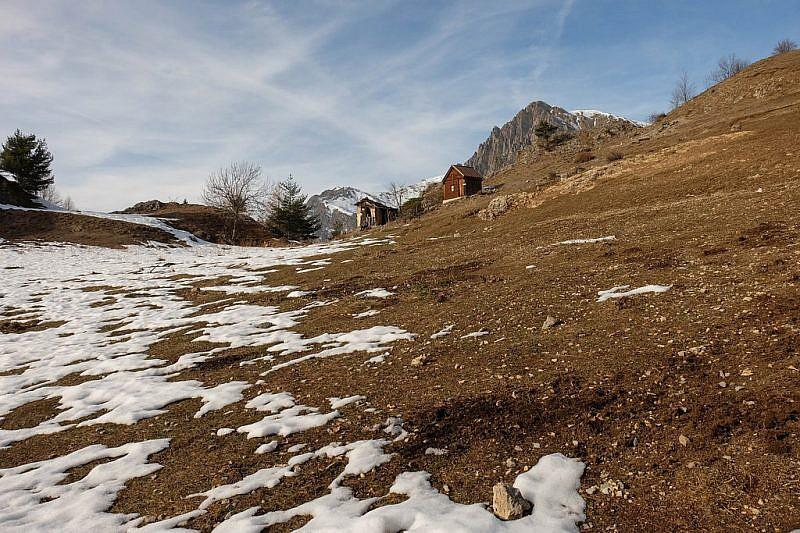 La minuscola cappelletta accanto al capanno del pastore