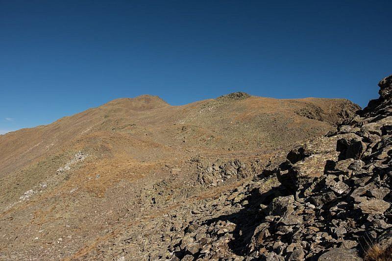 Salendo alla cima intermedia (sinistra)