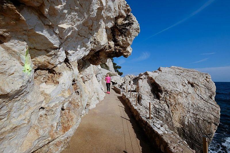 Nuovamente nel percorso tra le rocce