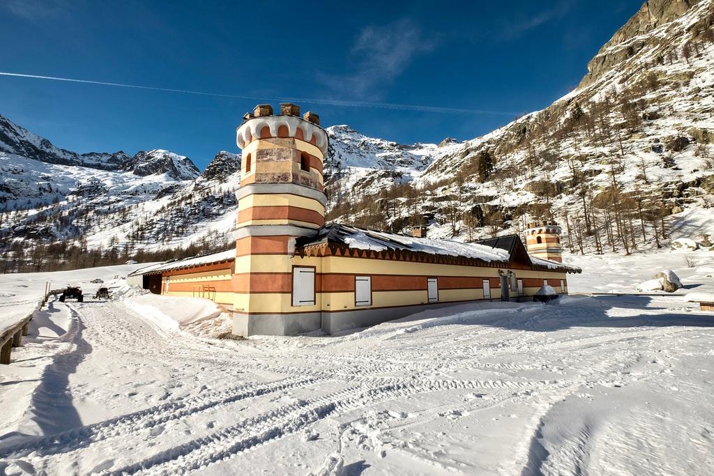 Escursione Con Racchette Da Neve Al Rifugio Casa Savoia 1368 M E Al Valasco 1763 M Valle Gesso Cuneotrekking