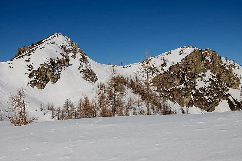 A destra, il monte Bert