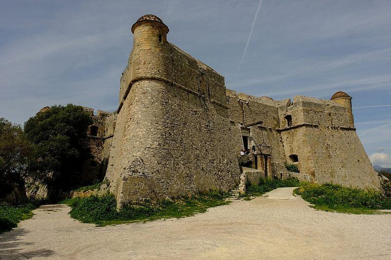 Immagini del fort du Mont Alban