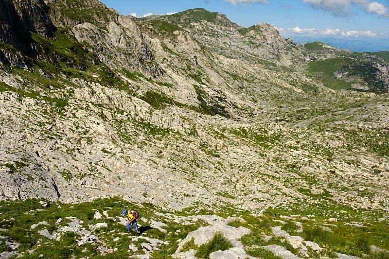 Visuale delle Càrsene con la cima della Fascia al fondo