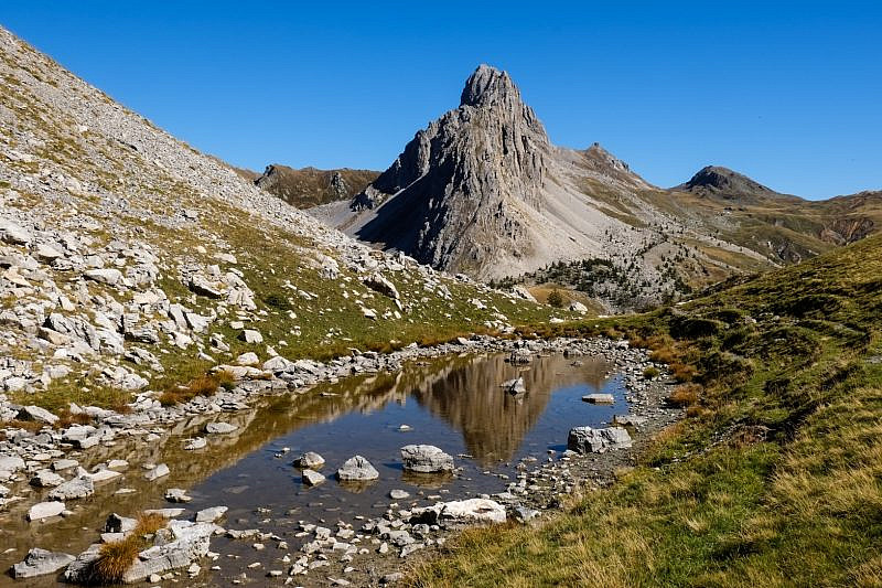 La stupenda Rocca la Meja vista dall'altopiano della Gardetta