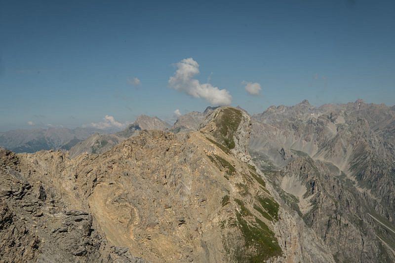 La vera cima dell'Auto Vallonasso dalla cresta
