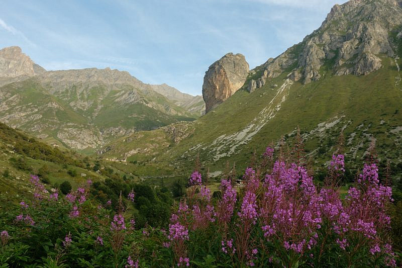 Salendo, vista su Rocca Senghi