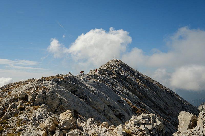 Salendo la cresta in direzione sud
