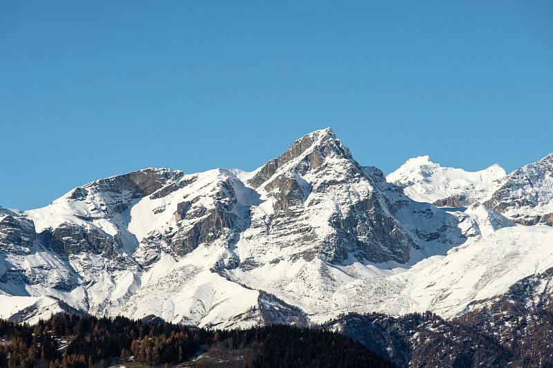 Il monte Chersogno e Rocca la Marchisa a destra