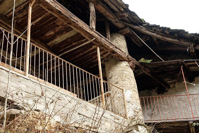 Pila rotonda su una vecchia casa di Rio
