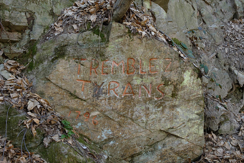 L'incisione su pietra tremblez tyrans